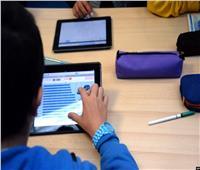 طلاب أولى ثانوي يؤدون الامتحان التجريبي لـ«اللغة الأجنبية الأولى»