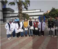 أطباء وصيادلة «الرعاية الصحية» يسلمون العلاج لمرضى الأورام في منازلهم