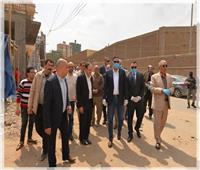 محافظ الدقهلية يتابع النقل الفوري لكافة تجمعات القمامة داخل مدينة المنصورة