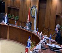 وزير البترول: متابعة لحظية للتأكد من توافر المنتجات البترولية في السوق