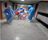 صور| تعافي 7 مرضى من فيروس كورونا وخروجهم من الحجر الصحي بالدقهلية