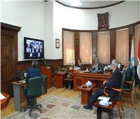 رسلان يعقد اجتماعاً مع رؤساء ٥ شركات لمتابعة موقف تنفيذ مشروعات الصرف الصحي