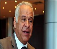 عامر يطالب بتقييم المحافظين على أساس مواجهة مافيا مستغلي «كورونا» في نهب الأراضي