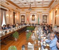 رئيس جامعة القاهرة يعلن التبرع بـ20% من رواتب العمداء والأساتذة