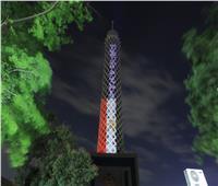 برج القاهرة يضيء بعبارة «إحمي نفسك» للوقاية من «كورونا»