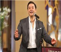 مدحت صالح يُحيي الأطباء بأغنية «يا أبو بالطو أبيض»