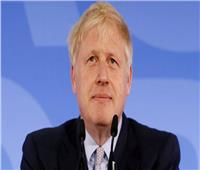 متحدث باسم جونسون يؤكد خلو رئيس وزراء بريطانيا من كورونا قبل مغادرته المستشفى