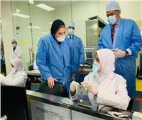 وزيرة التجارة تتفقد خطوط الإنتاج بـ 3 مصانع للمنتجات الغذائية في «العبور الصناعية»