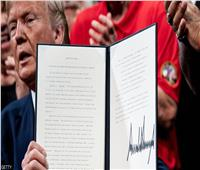 «اسم ترامب» يعطل معونات عشرات الملايين من الأميركيين