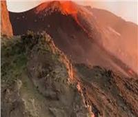 شاهد| بركان سترومبولي يبدأ ثوراته من جديد
