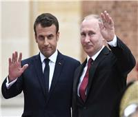 بوتين يبحث مع ماكرون ملف كورونا وتنظيم قمة لـ«الخماسية الكبرى»