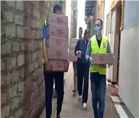 «واحد من الناس» تجوب المحافظات وتوزع 5 آلاف كرتونة لدعم العمالة الغير منتظمة