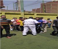 صور| ضبط فريق كرة قدم أثناء تدريبه بملعب لمخالفتهم قرارات الحظر