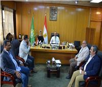 محافظ الاسماعيلية يلتقى نواب البرلمان ويؤكد على حتمية التوافق