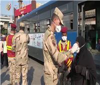 القوات المسلحة تواصل توزيع الماسكات الطبية على المواطنين مجاناً