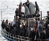 مقطع فيديو يظهر تخلص تركيا من مهاجرين بشحنهم إلى إيطاليا