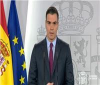رئيس الحكومة الإسبانية يعلن خطة لتخفيف الحجر والطوارئ