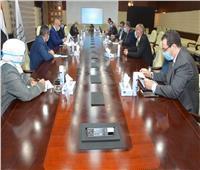وزيرا الإسكان وقطاع الأعمال العام يستعرضان أوجه التعاون المشترك