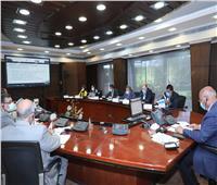 بالفيديو كونفرانس.. وزير النقل يبحث مع البنك الدولي موقف المشروعات المشتركة