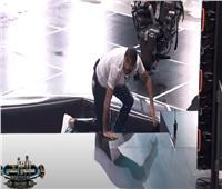 بالفيديو| رامز جلال يفشل في امتصاص غضب «كهربا».. والأخير يضربه بعنف