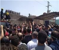 صور  الآلاف يشيعون جثماني شهيدي الواجب بالدقهلية وسط هتافات مطالبة بالقصاص