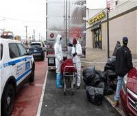عشرات الجثث متحللة في شاحنات.. «حدث مروع» يهز نيويورك