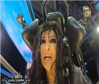 فيديو| فيفي عبده تصرخ في وجه «رامز جلال»: «ورحمة أمك كفاية»