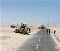 لجنة لمتابعة إلقاء المخلفات على الطرق الخارجية بالغردقة