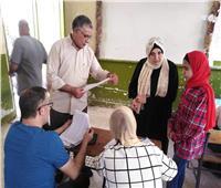 متابعة تسليم الأبحاث الورقية بمدارس سيناء