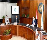 وزير البترول يقيم برامج عمل الشركات الأعلى إنتاجية للزيت الخام