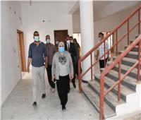 رئيس جامعة قناة السويس تتابع تنفيذ العاملين لإجراءات الوقاية من فيرس كورونا