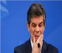بسبب تفشي كورونا وسياسة الرئيس.. استقالة وزير الصحة البرازيلي