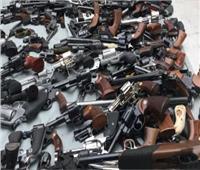 الأمن العام يداهم بحيرة المنزلة ويضبط 17 عنصرا إجراميا وأسلحة ومخدرات