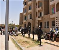 جهاز مدينة القاهرة الجديدة يسترد 40 وحدة سكنية متعدى عليها بالتجمع الأول