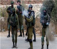 الاحتلال الإسرائيلي يصيب 4 فلسطينيين ويعتقل 26 آخرين من الضفة الغربية