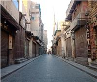 صور| بأمر كورونا.. شارع المعز خالي من المواطنين في أول أيام العيد