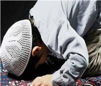 كيف أحبب ابني في الصلاة؟.. «الإفتاء» تجيب