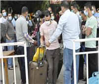 أكثر من 1000 مصري عائدون من الخارج يغادرون مدن جامعة المنيا