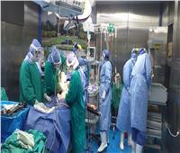 مصابتان بكورونا يضعان مولوديهما بمستشفى العزل بجامعة الزقازيق
