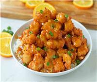 طبق اليوم.. مكعبات الدجاج الصيني بصوص البرتقال