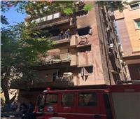 إجراء معاينة لشقة سكنية عثر بداخلها على 5 جثث لـ4 أطفال أشقاء وجدتهم