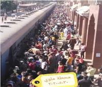 خاص| أول رد من «السكة الحديد»على صور الزحام الشديد في محطة ملوي