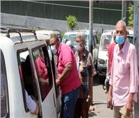 فيديو| المصريون ملتزمون بالكمامات في وسائل النقل العام