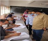 حسن يتفقد لجنة تقدير المشروعات البحثية للشهادة الإعدادية بالغربية