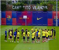 برشلونة يخوض مرانه الأول بحضور جميع اللاعبين