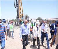 بتكلفة 5.3 مليار جنيه.. وزير النقل يتابع أعمال تنفيذ 4 محاور على النيل