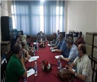 نائب محافظ القاهرة يعقد اجتماعا مع رؤساء الأحياء لوضع خطة مواجهة كورونا