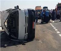 إصابة8 أشخاص في انقلاب سيارة ميكروباص بصحراوي البحيرة