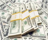 سعر الدولار يقفز 10 قروش أمام الجنيه المصري بالبنوك في منتصف التعاملات