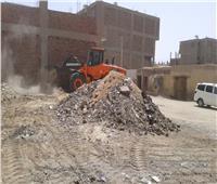 تكثيف حملات النظافة والتجميل ورفع القمامة والمخلفات والإشغالات والإزالات بالأقصر